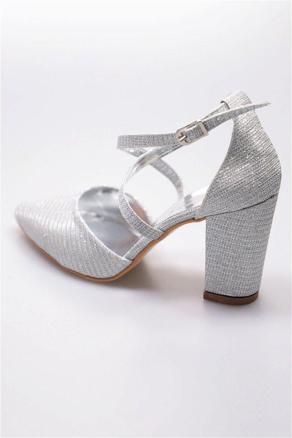 Bilek Bağlamalı Topuklu Ayakkabı GÜMÜŞ