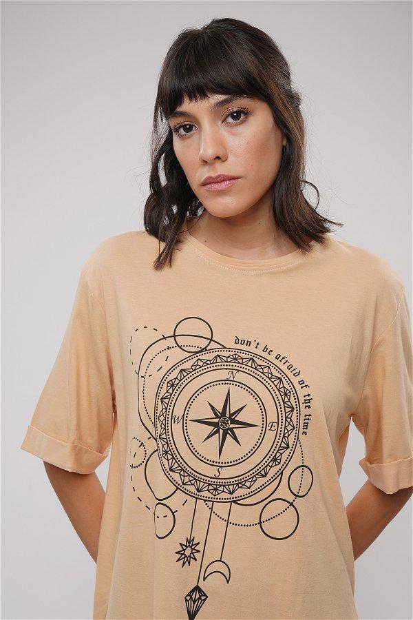 Baskılı Yan Yırtmaçlı T-shirt BEJ