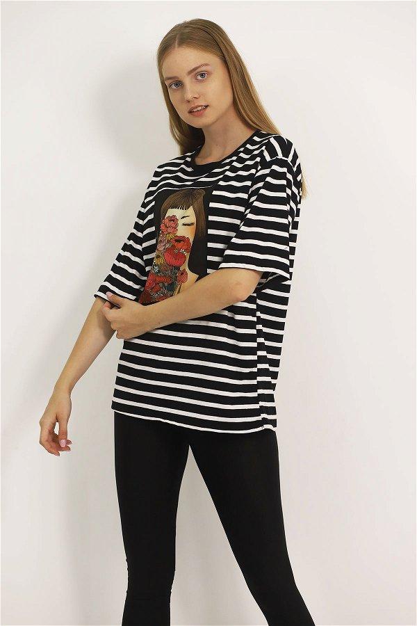 Kız Baskılı T-shirt  SIYAH