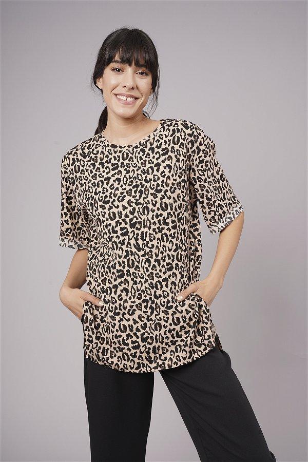 Leopar Desenli Duble Kol Yırtmaçlı T-shirt LEOPAR