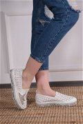 Pul Yıldız Detaylı Ayakkabı Beyaz